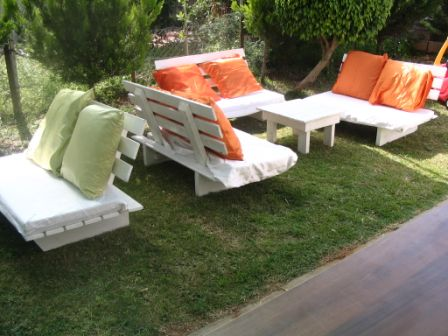 קייטרינג: ספסלים מעץ מנוכים - פינות ישיבה, ספסלים לגן